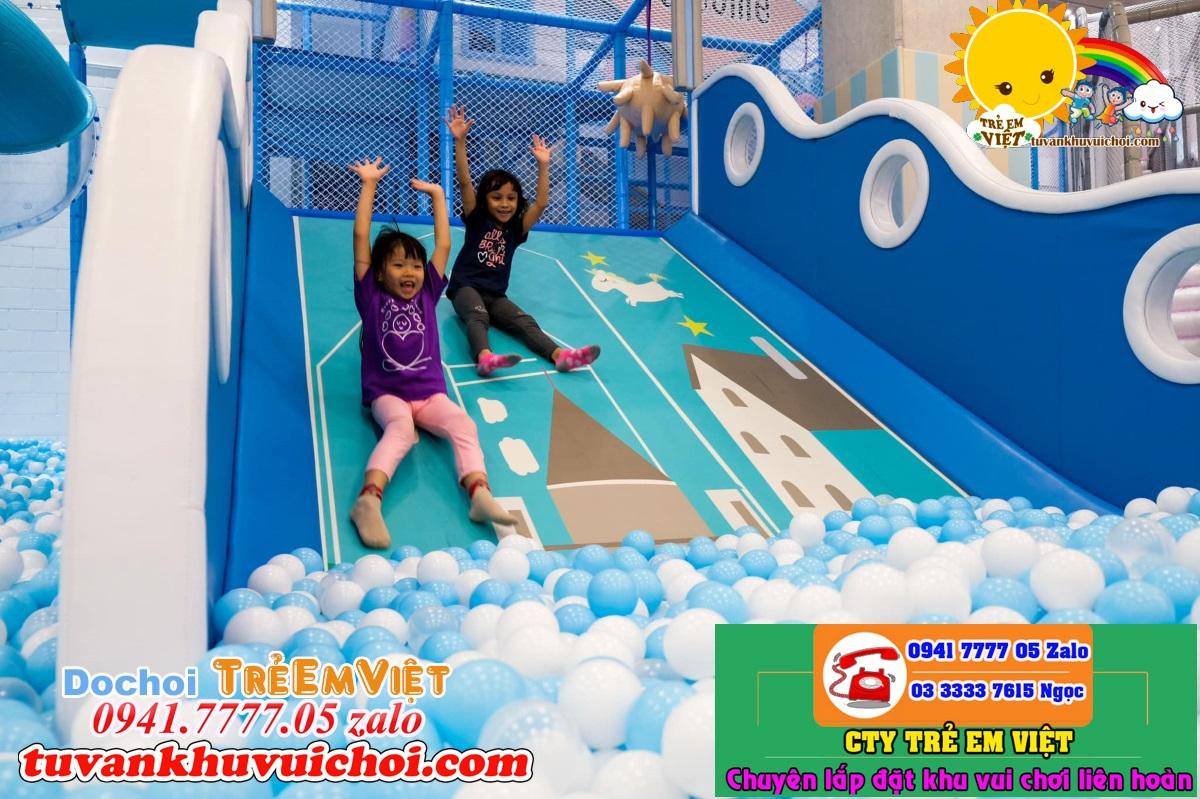 Máng trượt khu vui chơi trẻ em trong nhà